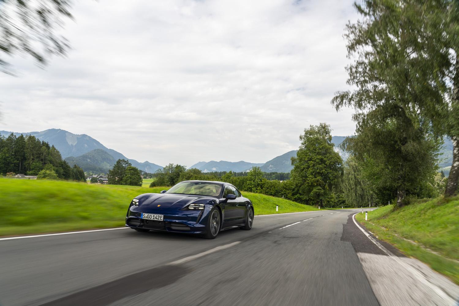 Foto de Porsche Taycan prueba contacto (60/275)