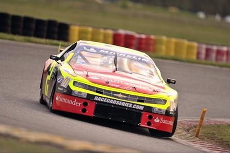 Ander Vilariño hace historia en la Euro-Racecar Nascar Touring Series