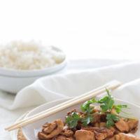 Pollo caramelizado con soja y jengibre. Pon un toque oriental en tu mesa