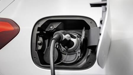 Mercedes Eqa Interior Cargando