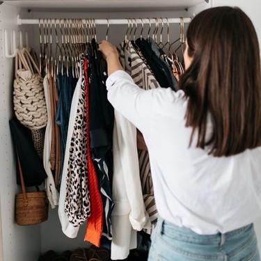 Cómo organizar tus bolsos en poco espacio y de forma fácil: 17 ideas de decoración