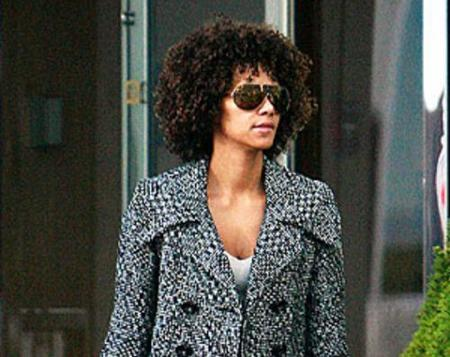 Halle Berry a lo afro