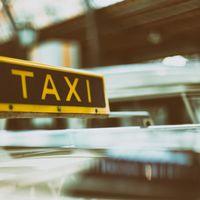 Los taxistas de Barcelona votan desconvocar la huelga mientras en Madrid buscan igualar condiciones