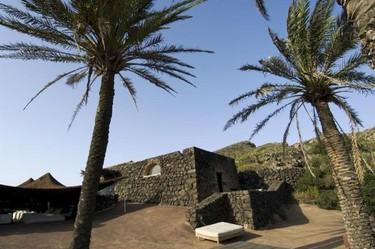 En algún lugar entre Sicilia y Túnez, un osasis... Una hermosa finca agrícola repleta de diseño