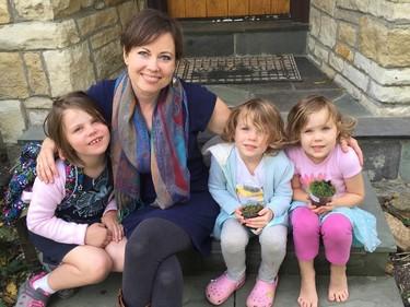 Una mamá antivacunas cambia de opinión después de que sus hijas enfermaran