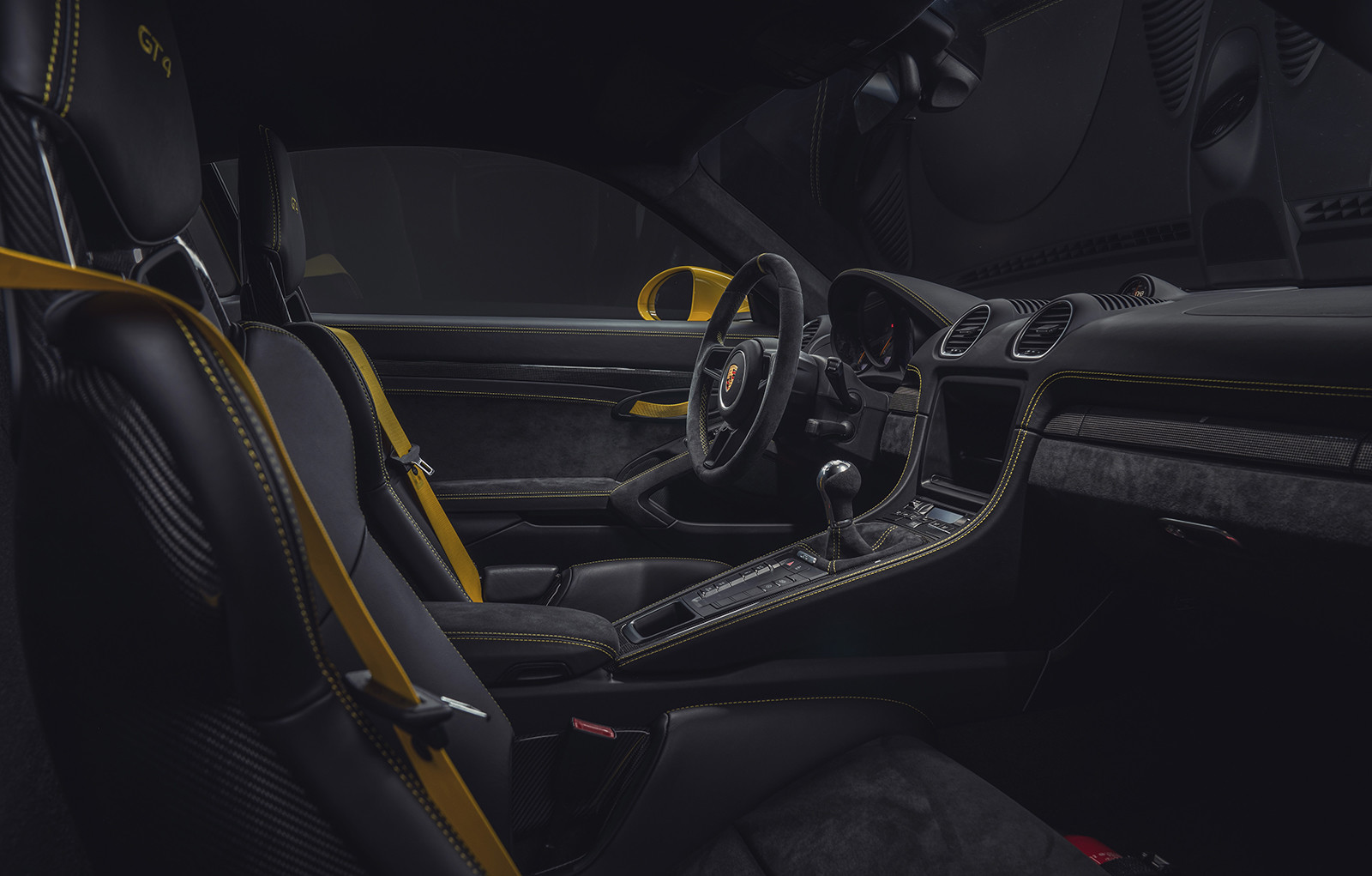 Foto de Porsche 718 GT4 2020 (7/13)