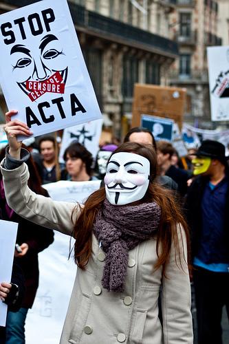 CETA, el nuevo intento taimado de imponer el ACTA. Un auténtico asalto a la privacidad en internet