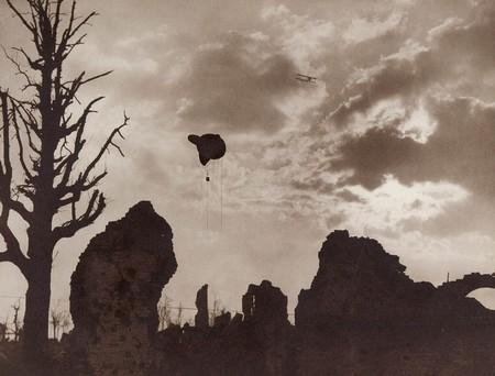 Ypres Ruinas Y Globo