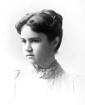 Elizabeth Deering Hanscom
