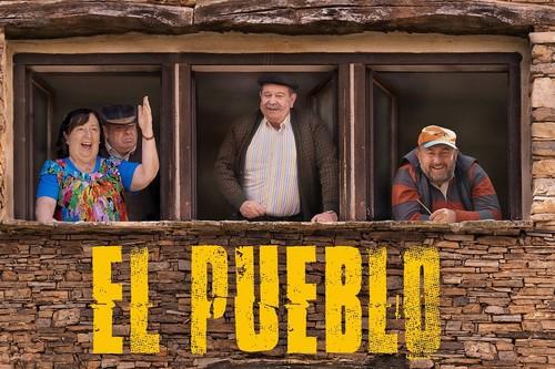 'El Pueblo' revalida sus virtudes en su regreso a Amazon: la temporada 2 sigue igual de fresca y entretenida
