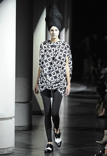 Foto de Junya Watanabe, Primavera-Verano 2010 en la Semana de la Moda de París (8/13)