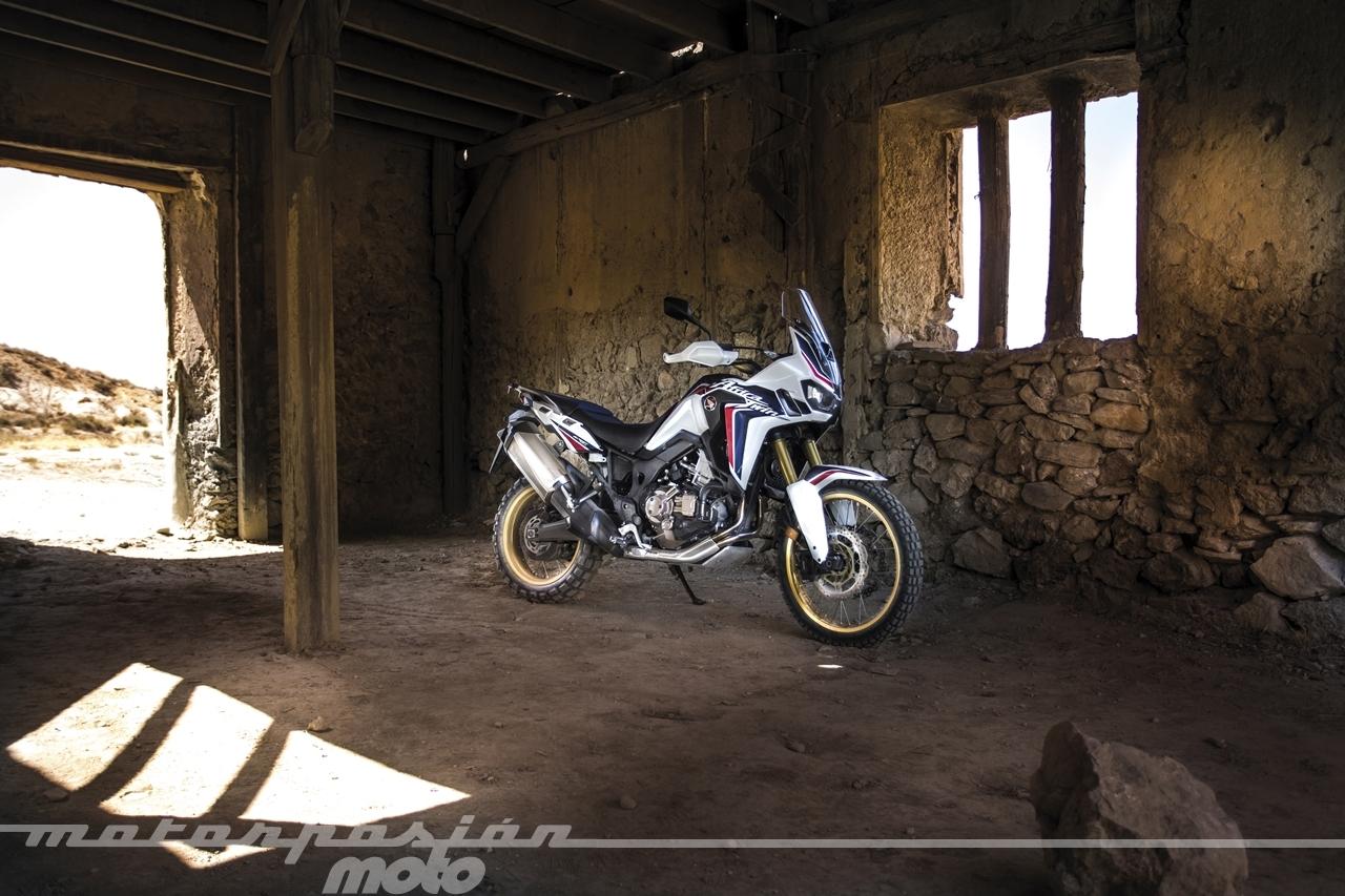 Foto de Honda CRF1000L Africa Twin (44/98)