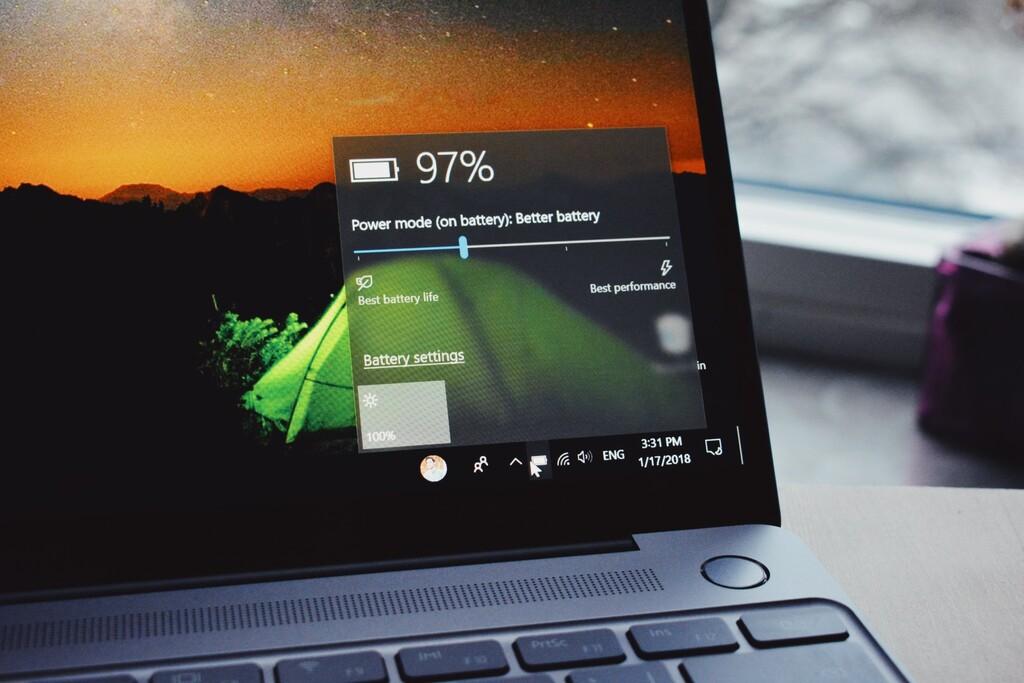 Cómo hacer que el portátil te avise por voz cuando esté cargado, en Windows 10 o Windows 11