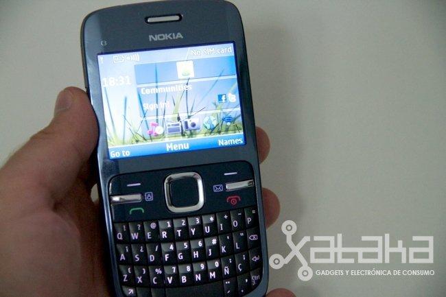 Nokia C3 en mano