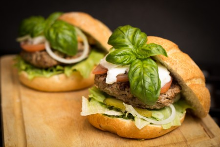 Los restaurantes que informan de las calorías suelen tener menús más saludables (estudio)