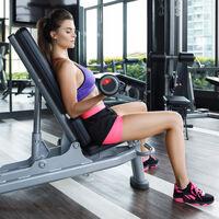 Cómo entrenar tus bíceps al completo con estos tres ejercicios, un banco reclinable y sin moverte del sitio