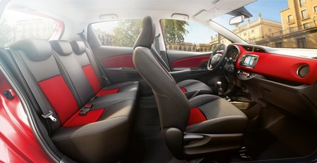 toyota-yaris-2014-feel-interior-1000.jpg
