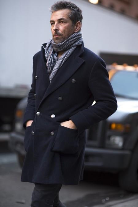 El mejor street-style de la semana: abrigos de corte clásico y prendas deportivas