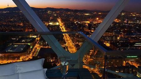 vista nocturna de Barcelona desde el Hotel Arts