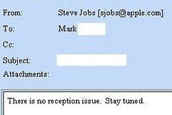 Steve Jobs sobre el iPhone 4: «no hay problema de cobertura»