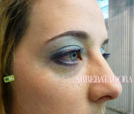 Maquillaje de ojos 'Total Blue': azul y blanco