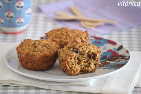 Muffins fitness de avena, mantequilla de cacahuete, semillas y frutos secos: receta saludable