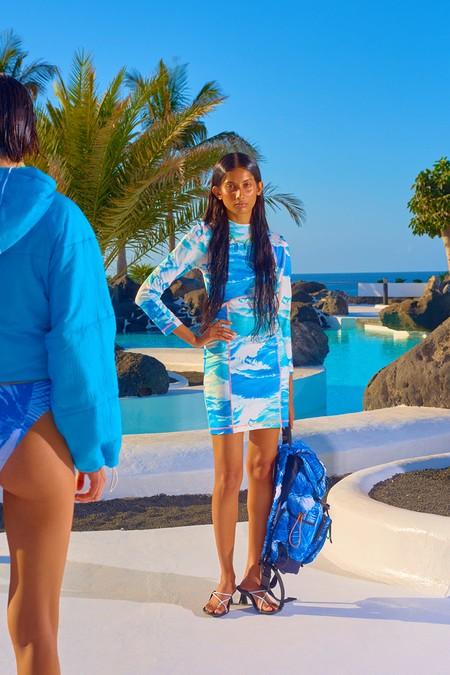 Bimba y Lola traen en su nueva campaña lo que más deseamos: evadirnos directamente al verano bajo el sol y junto a la piscina