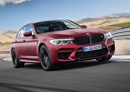 BMW M5 First Edition, un deseo ataviado de color rojo