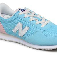 50% de descuento en las zapatillas deportivas para mujer New Balance KL220 en azul celeste, que se quedan en 30 euros en Sarenza
