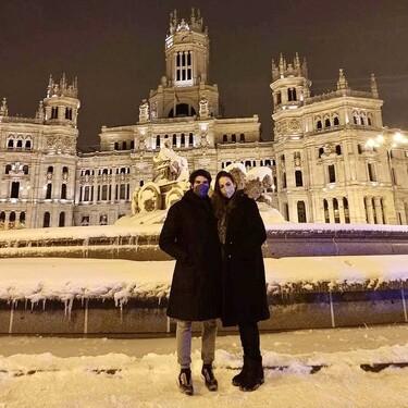 ¡Tenemos las fotos! Cayetano Rivera y Eva González, como niños en la nieve gracias a 'Filomena'