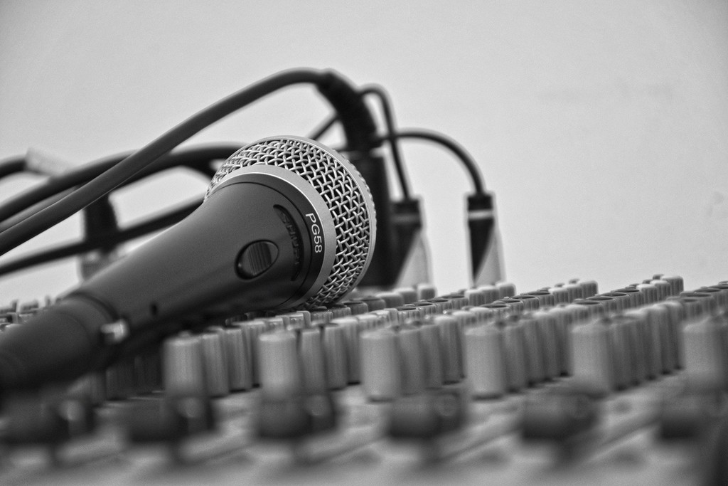 Extrae las voces de cualquier canción con esta web