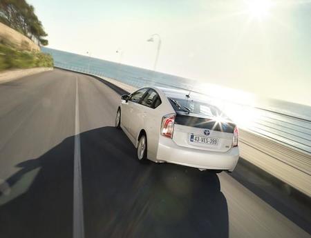 La guía del súper optimizador de consumo de gasolina en coche híbrido