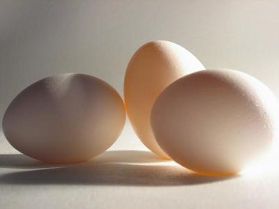 La razón matemática de que los huevos se vendan por docenas