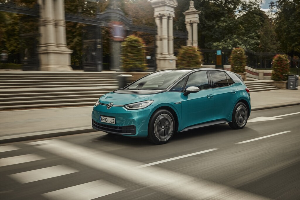 Probamos el Volkswagen ID.3: ya hemos conducido el coche eléctrico que pretende hacerse tan popular como el Golf