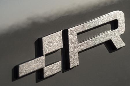 SEAT Leon ST Cupra R logo