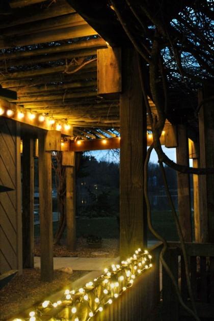 Iluminación de exterior. Luces de Navidad para el verano