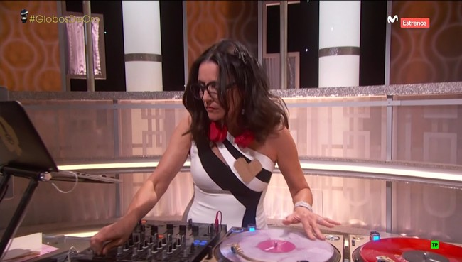 Julia Louis-Dreyfus DJ at the Golden Globes