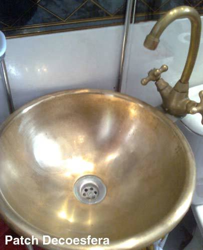 El lavabo después de la limpieza.