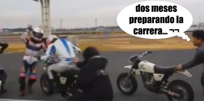 Piloto se equivoca de moto