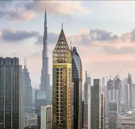 Dormir tocando el cielo: inauguran en Dubai el hotel más alto del mundo