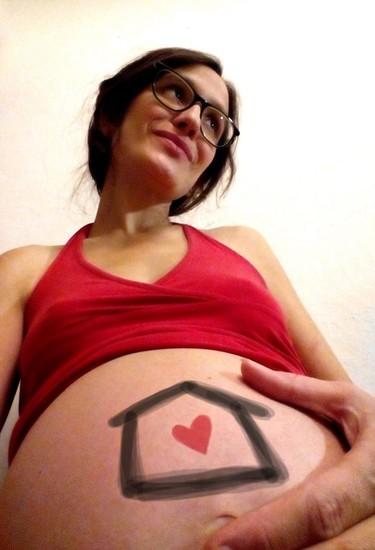 Una mamá lanza un crowdfunding para poder tener un parto normal