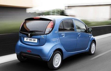 Peugeot iOn trasera