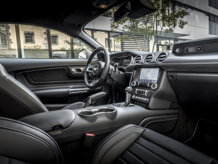 Ford Mustang Mach 1 Europa Interior 2