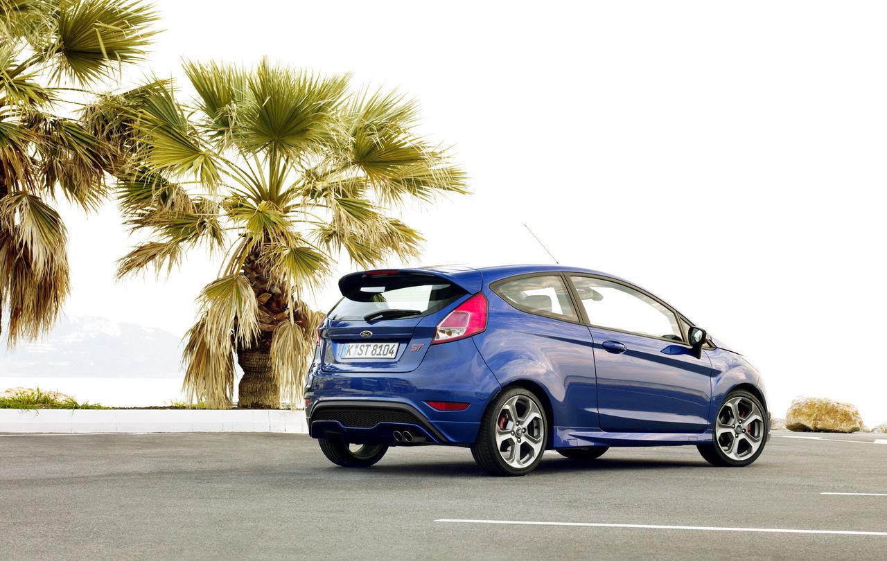 Foto de Ford Fiesta ST 2013 en Francia (18/50)