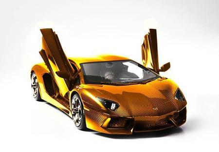 Dubái lo hace de nuevo: Un Lamborghini Aventador de 7.5 millones de dólares cubierto de oro