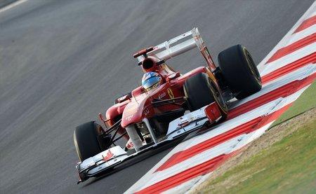 GP de India F1 2011: Fernando Alonso defiende con uñas y dientes una merecida tercera posición