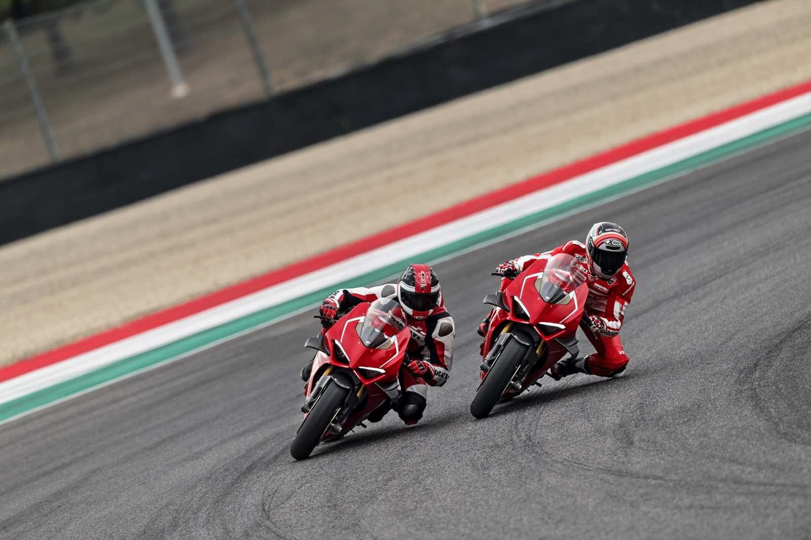 Foto de Ducati Panigale V4 R 2019 (26/87)