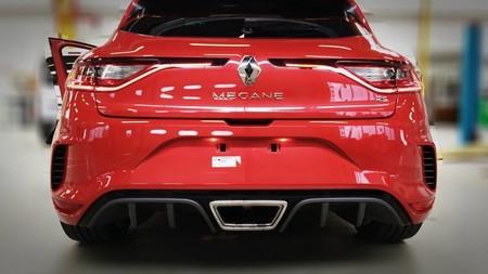 Ese culo que ves es del Renault Mégane RS, el nuevo hot hatch francés vuelve a dejarse ver antes de Frankfurt