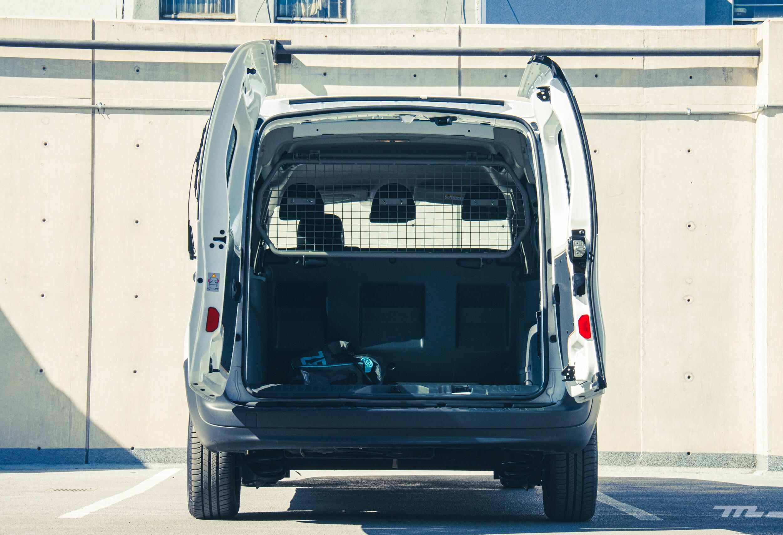 Foto de Renault Kango Z.E. Maxi 5 pasajeros (13/29)