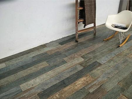 ¿Es madera envejecida? No, es un suelo de cerámica que te va a enamorar